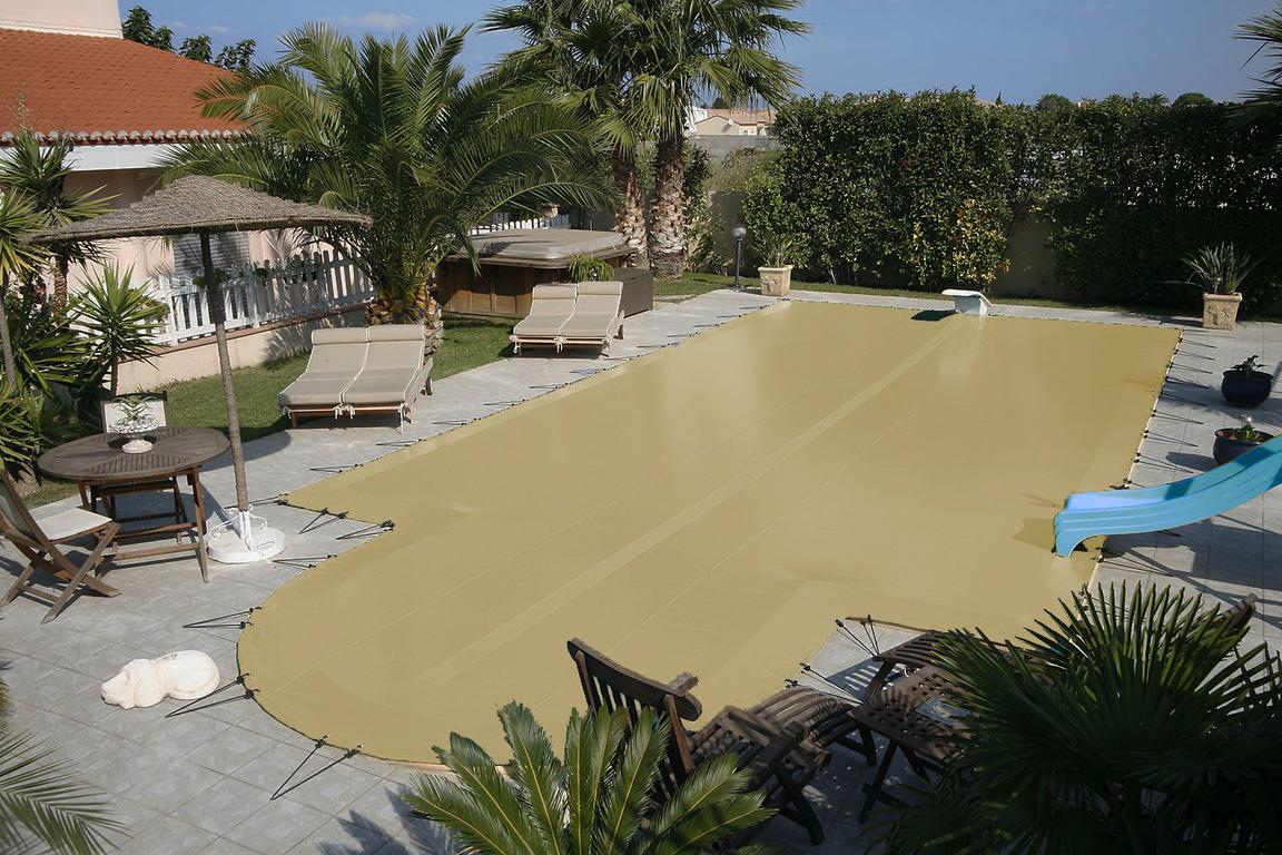 B ches hiver aquastar piscines for Bache piscine hiver