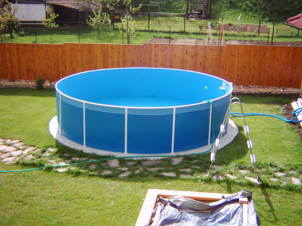 Piscine intex aspect bois for Piscine hors sol sequoia spirit intex