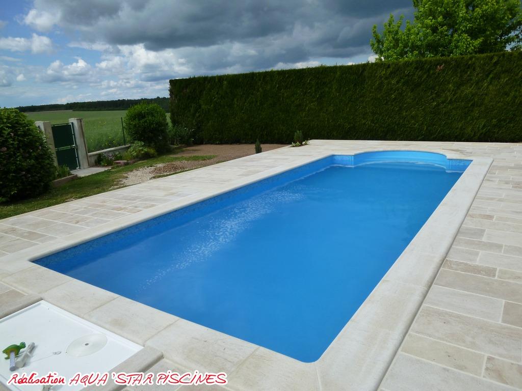 B ton aqua 39 star aquastar piscines for Local technique piscine beton