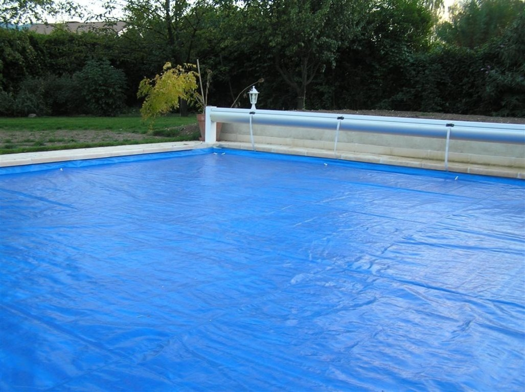 B ches de protection pour volet aquastar piscines for Bache de protection piscine